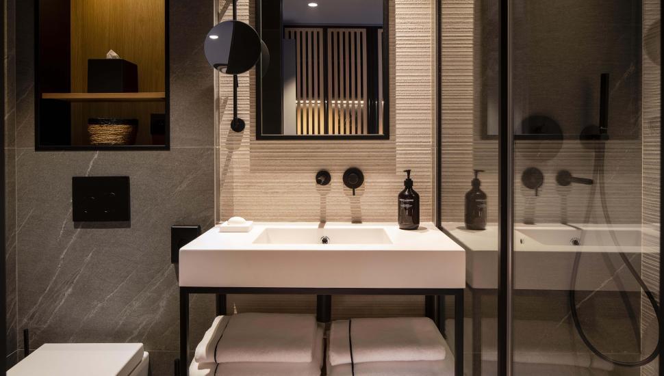 victoria-palace-hotel-paris-salle-de-bain-116444-970-550-crop